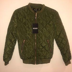 MISSGUIDED - Khaki Green puffer jacket